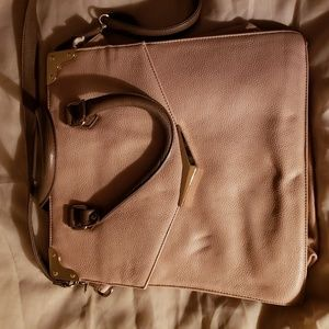 Envelope-style messenger bag